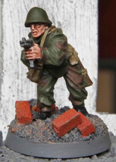 Soviet Assault Engineer (advancing)