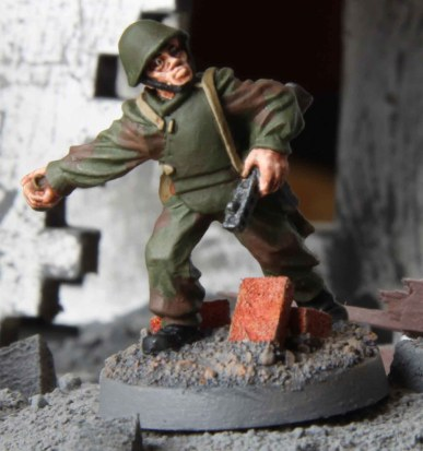 Soviet Assault Engineer (throwing grenade)