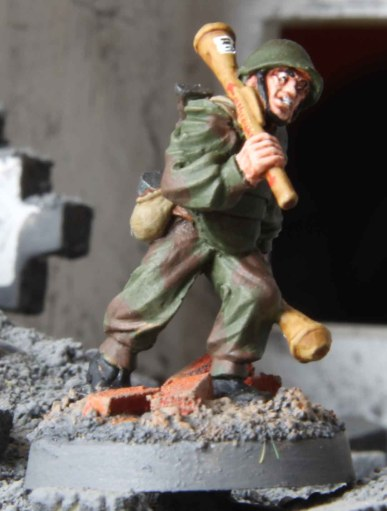 Soviet Assault Engineer (with Panzerfäuste)