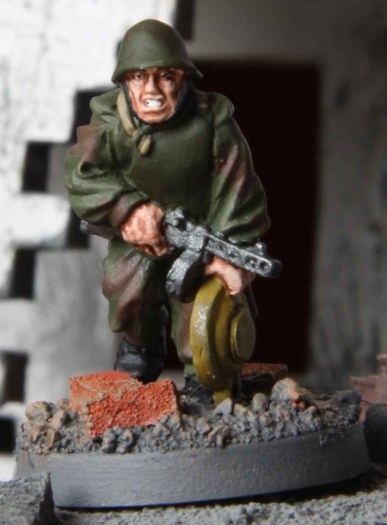 Soviet Assault Engineer (with Tellermine)