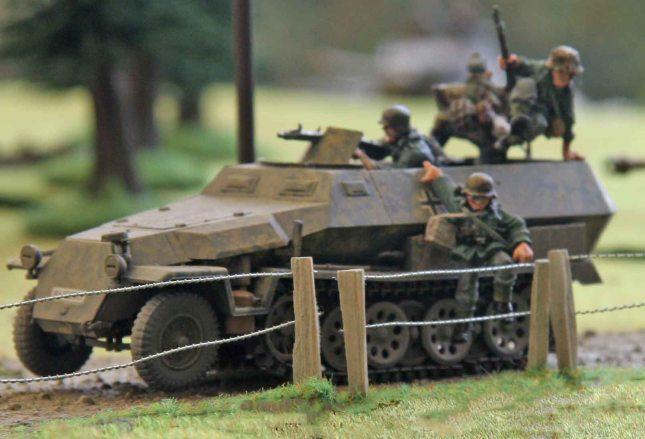 Panzergrenadiere debussing