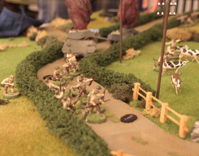 US Infantry in the open pinned by mortar fire