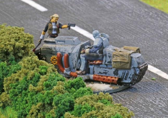 Angelica Drachen and a Vorreiter locked in close combat