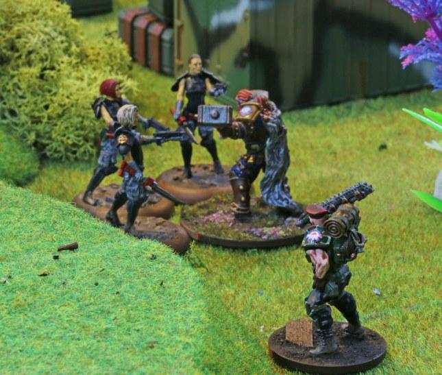 Oakenfist taking on the Etoiles Mortants