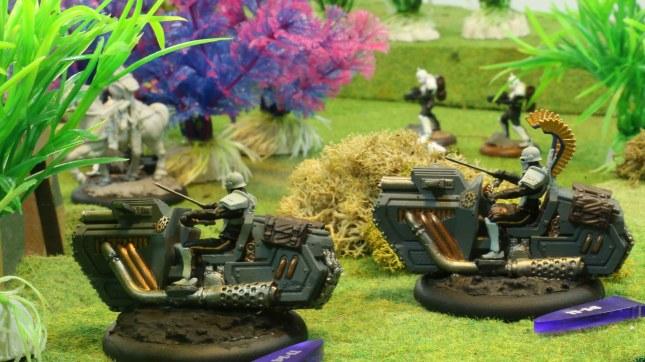Vorreiter firing on the Warhounds