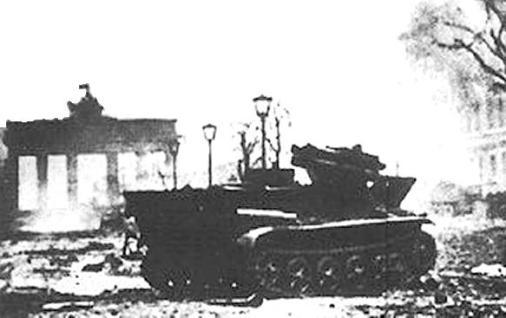 Borgward-B-IV-Ausführung-mit-RPzB-54-Wanze-7
