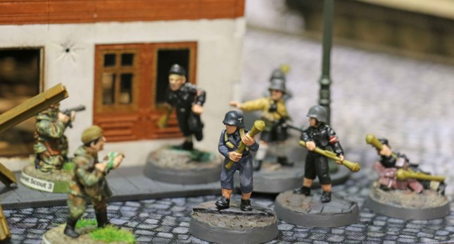 Hitlerjugend about to take out the Soviet scouts