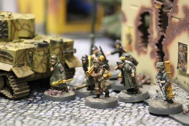 Volkssturm advancing