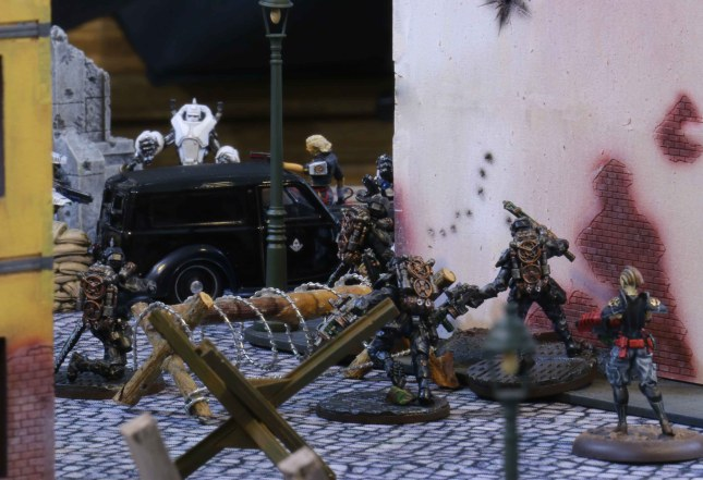 Etoiles Mortants taking out the Black Berets