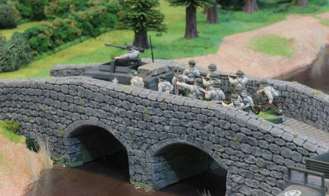American Infantry pushing across the bridge